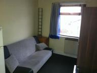 Studio flat to rent in High Road Leyton, London...