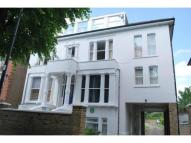 3 bed Flat to rent in Avenue Crescent, Acton...