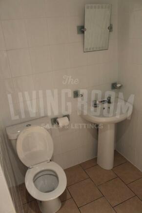 Bathroom1 (2)