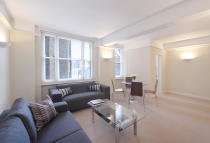 2 bedroom Apartment to rent in Hill Street, London, W1J