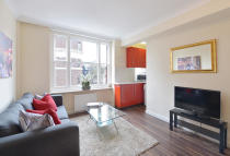 Studio apartment in Hill Street, London, W1J