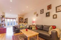 2 bedroom Flat in Brading Road, Brixton...