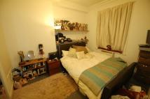 Flat to rent in Bernays Grove, Brixton...