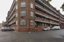Flat to rent in Purser House, Brixton...