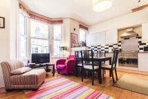 2 bedroom Flat to rent in Saltoun Road, Brixton...