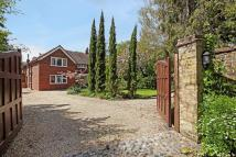 4 bed Detached property for sale in London Road, Egham