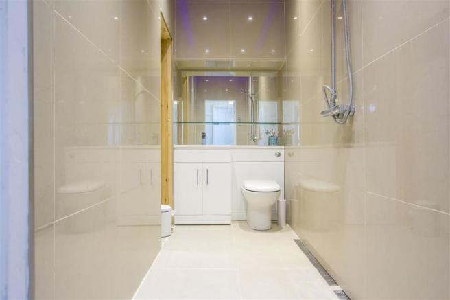 Walk in shower room