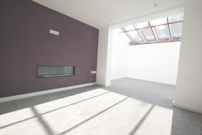 Lounge & Sun Room