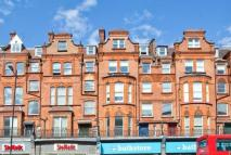 Studio flat to rent in Finchley Road, London