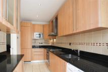 Town House to rent in Upper Park Road...