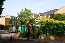 PLOUGH WAY Apartment to rent