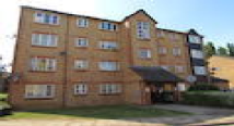 Flat to rent in Cygnet Close, Brent Park...