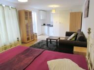 Studio apartment to rent in EMPIRE ROAD, Greenford...