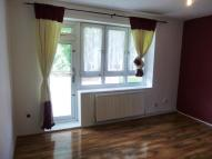Cannon Street Road Flat to rent