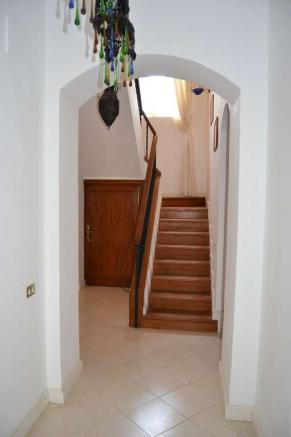 Staircase to 1st fl
