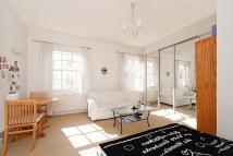 Flat to rent in Bathurst Street, London...