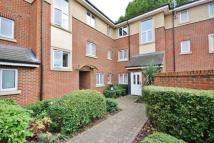 Apartment to rent in Grasgarth Close, Acton...