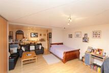 Flat to rent in Whitton Dene, Isleworth