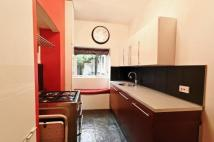 Flat to rent in Lancaster Gardens...