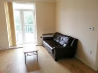 Flat to rent in Western Road, Leicester...