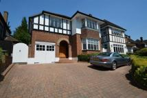 3 bed Detached property to rent in Brook Way, Chigwell