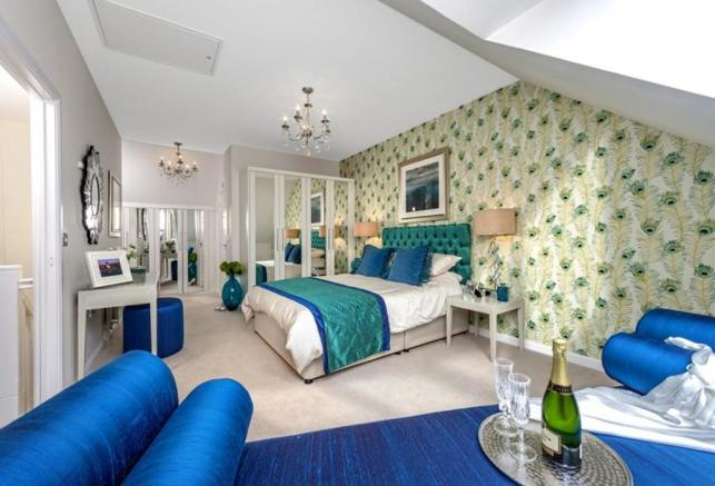 The Woodvale master bedroom at Kingley Gate