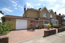 4 bedroom semi detached property in Park Grove...