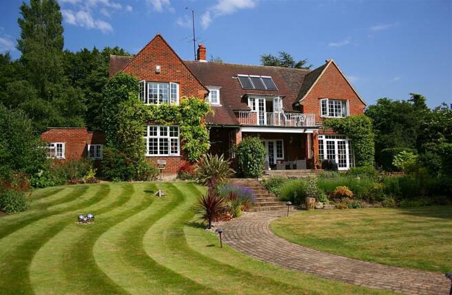 5 Bedroom Detached House For Sale In Letchworth Lane Letchworth Garden City Sg6