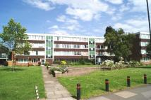 3 bedroom Flat in Atherton Court ...