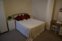 1 bedroom Ground Flat to rent in Albert Road South...