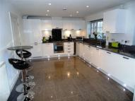 2 bed Apartment for sale in Dean Forest Way...