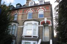 2 bedroom Flat in New Cross Road...