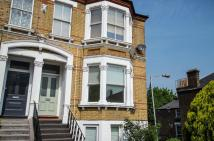 2 bedroom Flat in Jerningham Road...