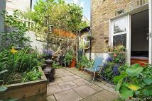 2 bedroom Flat for sale in Forthbridge Road...