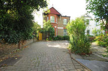 6 bedroom property in Ealing