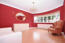 4 bedroom house in Heathcroft, Ealing