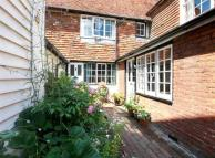 3 bed house in High Street, Cranbrook...