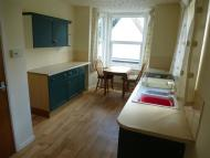 2 bedroom Flat in London Road South...