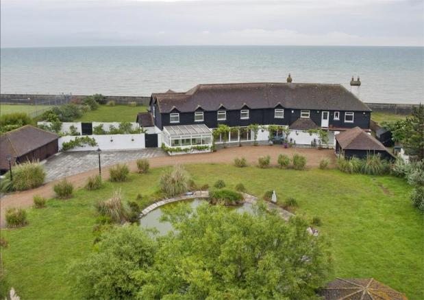 5 Bedroom Detached House For Sale In Mallards Coast Drive
