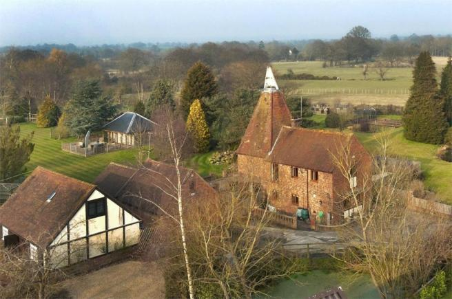5 bedroom detached house for sale in manor farm oast love for The headcorn minimalist house kent