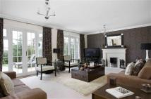 6 bedroom Detached property in Knowle Wood Road...