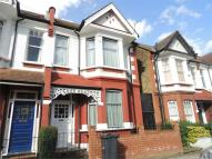 Apartment to rent in Brading Road, Brixton