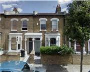 Flat to rent in Rattray Road, Brixton...