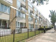 3 bed Apartment in Richborne Terrace, Oval...