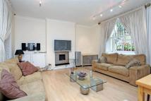 Flat to rent in Ennismore Gardens...
