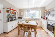 Flat to rent in Talgarth Mansions, W14