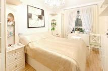 2 bed Flat to rent in Chatsworth Estate...
