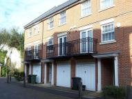 4 bed Town House in Empire Walk, Greenhithe