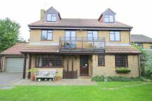 6 bed property in Lapwing Drive...