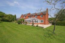 5 bedroom Detached house in Dordale Road, Bournheath...
